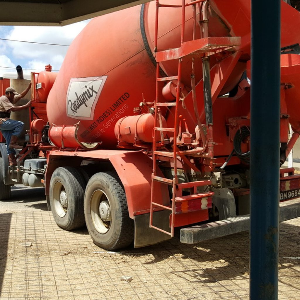 truck-at-la-horquetta-north-government-before_resize